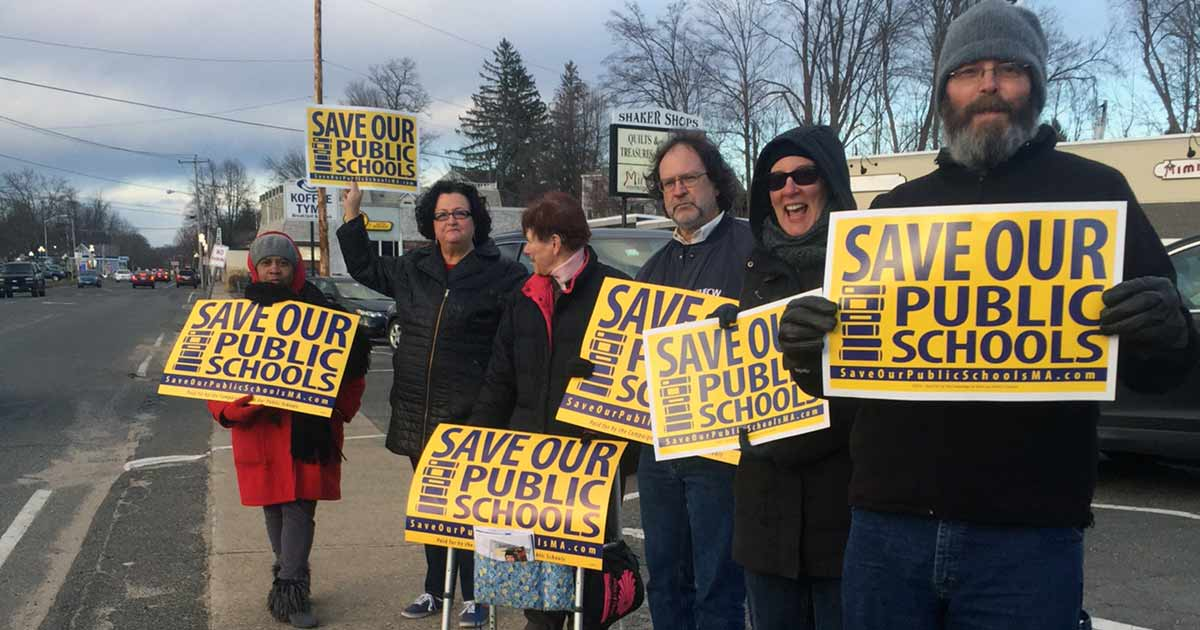 Standout before meeting with Sen. Lesser in Springfield