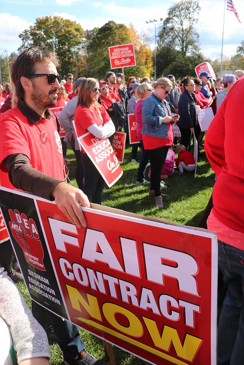 Bargaining resumes after lively display of community solidarity with Dedham teachers